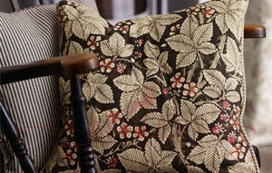 Bramble_Fabric_Cushion_Detail Morris and Co Archive III Prints Ткани для штор Англия