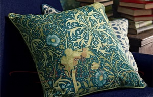 Morris_Seaweed_Cushion_Detail Morris and Co Archive III Prints Ткани для штор Англия